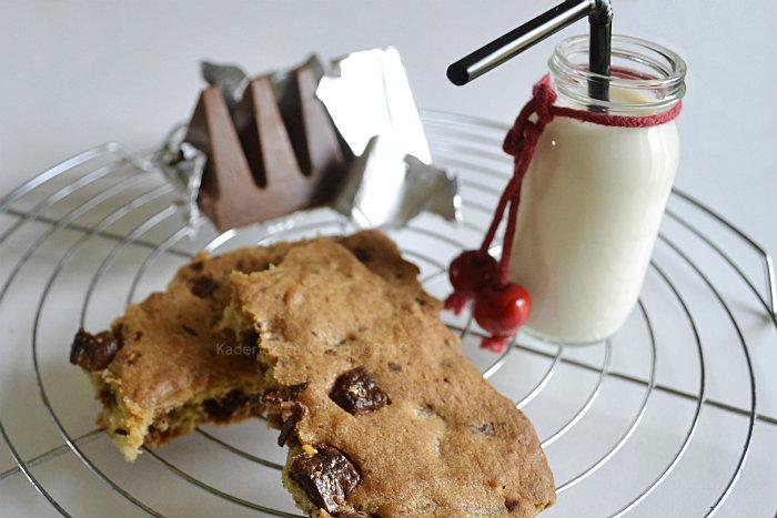 http://www.kaderickenkuizinn.com/wp-content/uploads/2012/09/Defi-gouter-recette-cookie-geant-toblerone.jpg