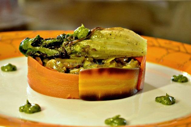 Recette de la fondue de poireaux & rubans de carottes servis avec un coeur de salade rôtie et un pesto de mâche - Kaderick en Kuizinn©2013