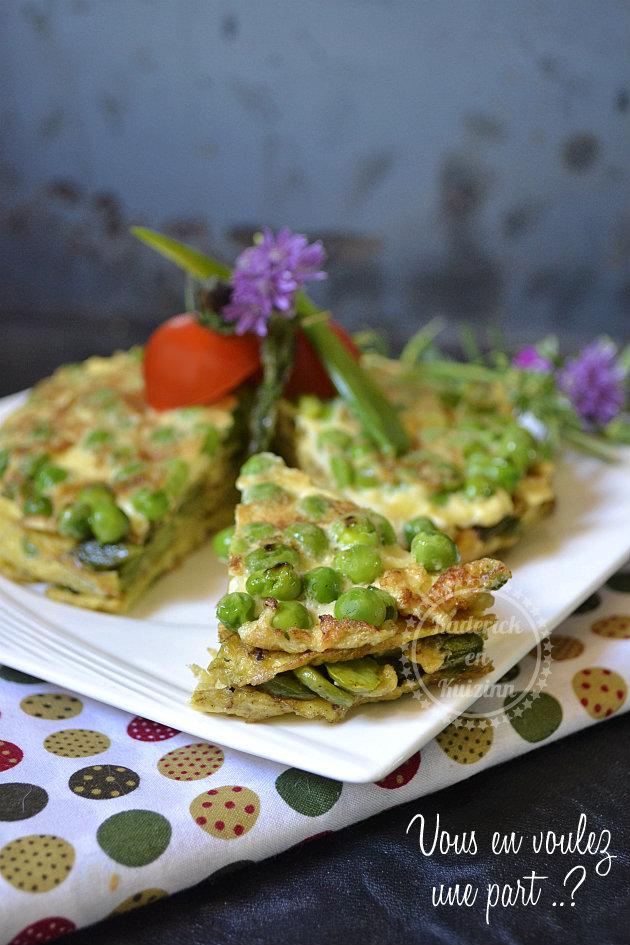 Légumes bio de printemps en millefeuille d'omelette