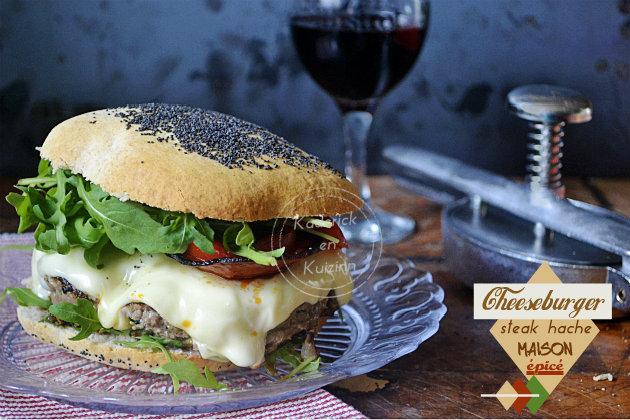 Cheeseburger steak haché épicé fait maison - Recette plancha